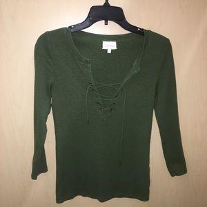Deletta size small green top